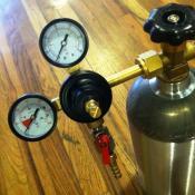 CO2 Regulator - Economy Dual Gauge